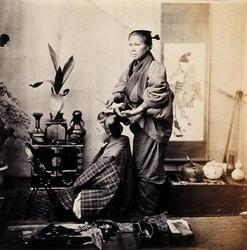 女髪結 F・ベアト撮影 1863(文久3)年 長崎大学附属図書館蔵